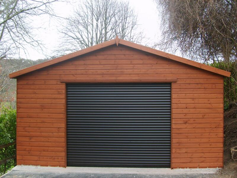 Garage with Electric Roller Door