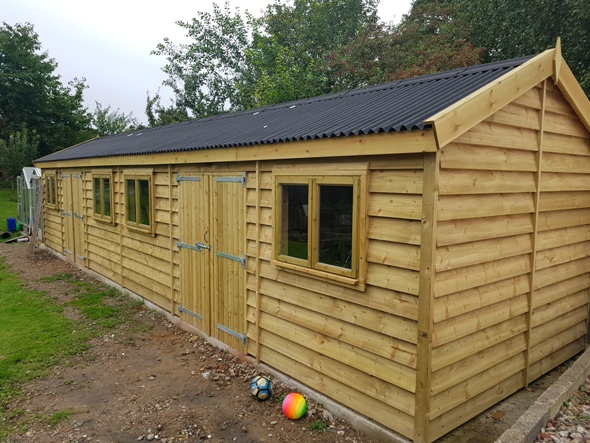 40 x 12 With Featheredge Boarding